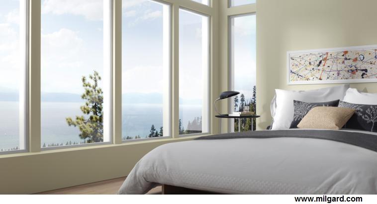 alu-fenster-in-schlafzimmer